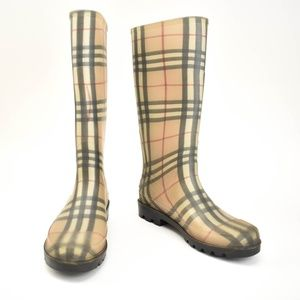 "BURBERRY: Beige ""Nova Check"" Rain Boots"